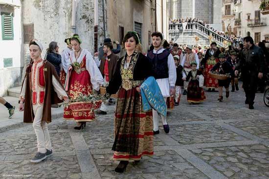 Pashkët celebrazioni della Pasqua Bizantina a Piana degli Albanesi