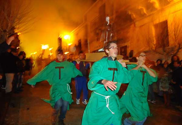 Festa di sant 39 antonio abate a cassaro for Arredo bimbo sant antonio abate